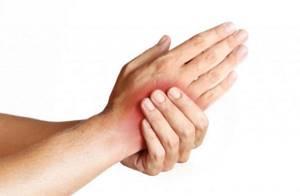 Ушиб кисти руки при падении и ударе: лечение, симптомы