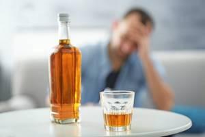 Алкоголь стимулирует рост вредных бактерий в полости рта