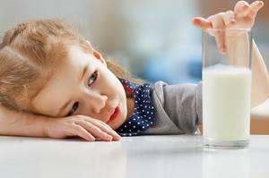 Аллергия на молоко у детей: как определить, что делать