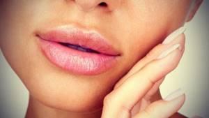 Гиалуроновая кислота, инъекции в губы: цена, противопоказания, отзывы