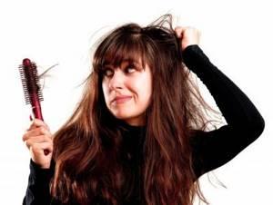 Выпадение волос у женщин: лечение медикаментозное и народными средствами