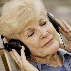 Последствия инсульта можно устранять музыкой, пением